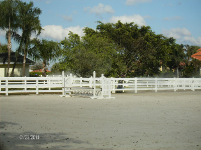 Paddock fence leaning - Beav's Window cleaning - servicing South Florida