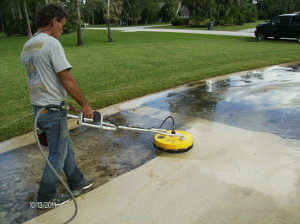 Pressure Cleaing driveways in South Florida