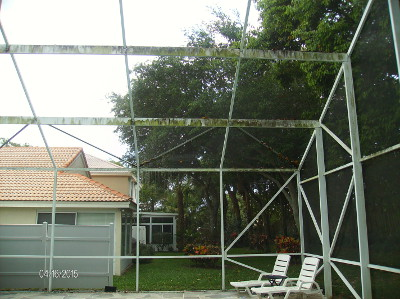 Palm Beach County screen enclosure cleaning